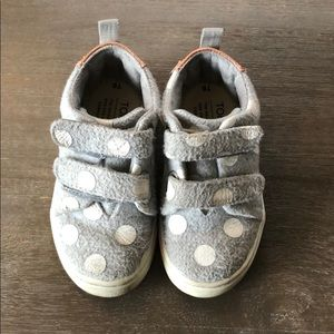 Toddler Toms sneakers size 6